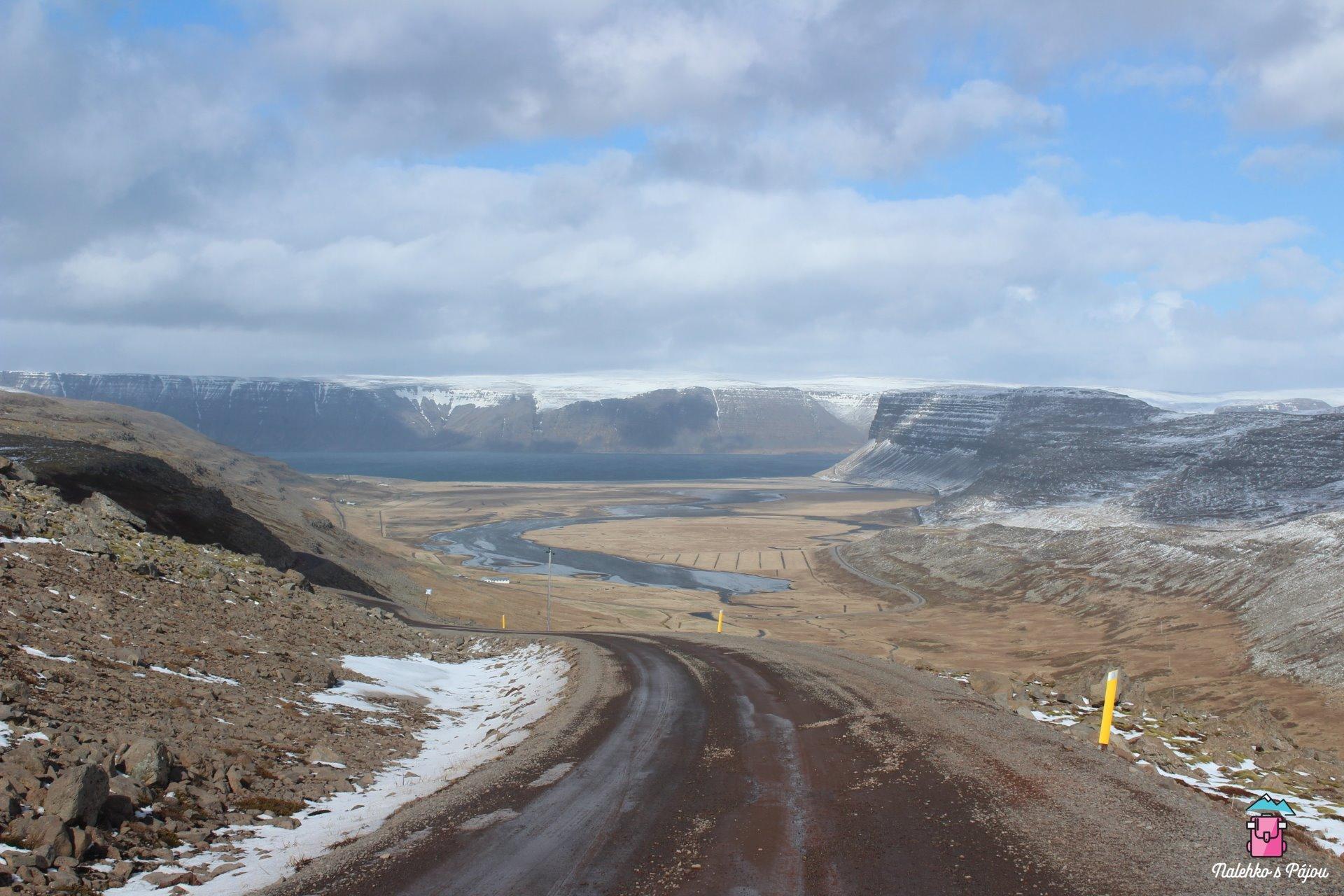Pohled na druhou stranu silnice :D