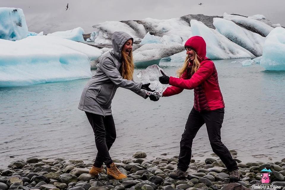 A kravinky jsme si nemohly odpustit, no co, že jsme pak měly zmrzlé ruce ještě půl dne :)